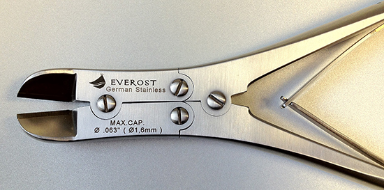 Cage cutter double action